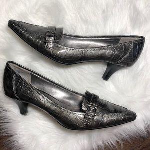 Anne Klein Iflex Embossed Silver Heels   Size 8